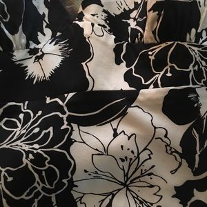 Black and white house Tops - Beautiful black and white strapless blouse